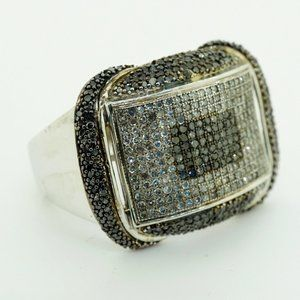 10k White Gold Ring with White And Black Diamonds